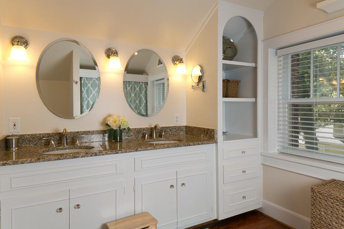 Updated Master Bathroom | 2805 Bratton Street