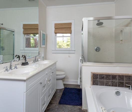 Wellman Realty Columbia SC Kline Street Heathwood For - Bathroom fixtures columbia sc